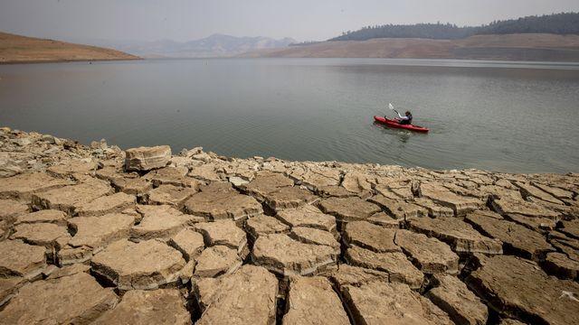 Le lac Oroville est anormalement bas à cause d'une sécheresse qui perdure. Californie, le 22 août 2021. [Ethan Swope, File - Keystone/AP photo]