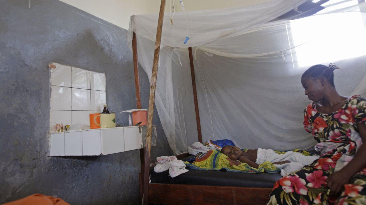 Le premier vaccin contre la malaria pourra être inoculé à tous les enfants. [Schalk van Zuydam - Keystone/AP]