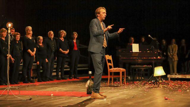 Robert Sandoz, directeur du Theare du Jura parle lors de l'inauguration du Théâtre du Jura le vendredi 8 octobre 2021 à Delémont. [Noemi Cinelli - Keystone]