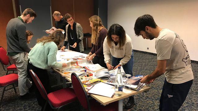 La Haute Ecole spécialisée de Suisse occidentale (HES-SO) et les universités créent certaines formations innovantes, loin des cours ex-cathedra classiques, pour stimuler la créativité de leurs élèves.  [DOMINIQUE CHOFFAT - RTS ]