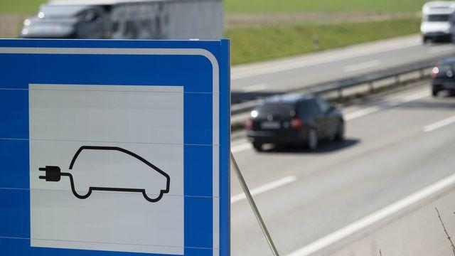 Le nombre de voiture 100% électrique est en forte croissance ces 5 dernières années en Suisse [Christian Beutler - Keystone]