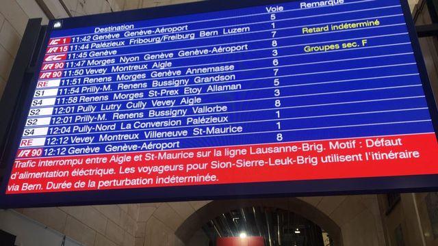 Panne sur la ligne Lausanne-Brigue. [Laurent Caspary - RTS]