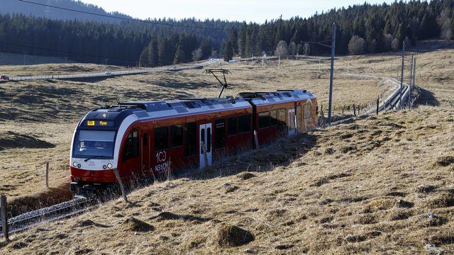 Les Transports publics de la région nyonnaise (TPN) et la compagnie du Chemin de fer Nyon -St-Cergue - Morez (NStCM) se retrouvent sous audit. En cause, leur directeur a été suspendu. [SALVATORE DI NOLFI - KEYSTONE]
