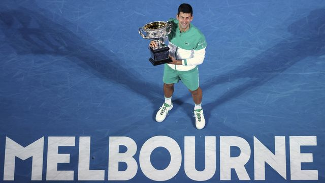 Tenant du titre à Melbourne, Djokovic risque de ne pas pouvoir disputer le prochain Open d'Australie. [Hamish Blair - Keystone]