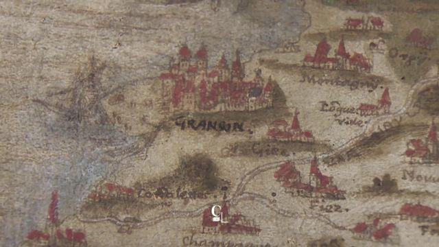 Focus sur une carte topographique datant de 1578 montrant pour la première fois la ville de Fribourg dans sa taille actuelle. [RTS]
