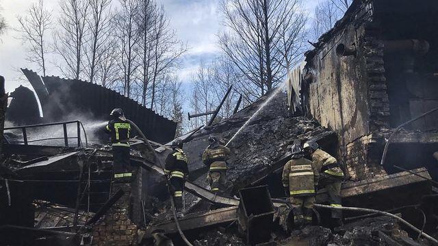 Incendie meurtrier dans une usine russe. [EPA/Ministère des situations d'urgence - Keystone]
