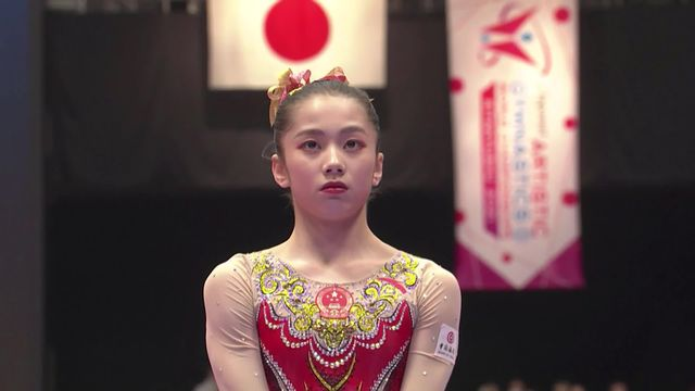 Barres asymétriques dames: le sacre mondial pour Wei (CHN) [RTS]
